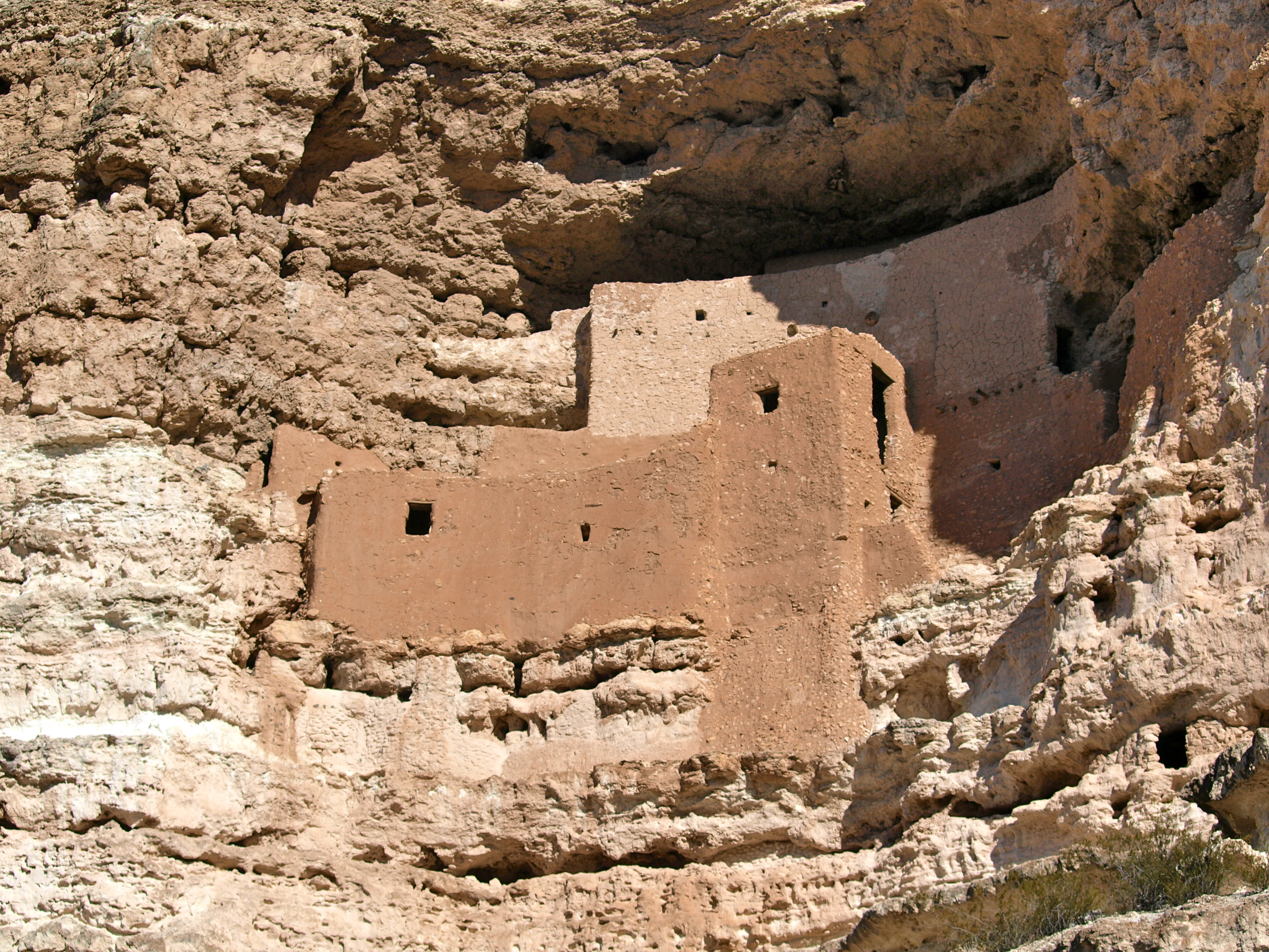 montezuma castle Montezuma castle national monument is located about 50 miles south of flagstaff, only two miles east of i-17 operated by the national park service, it has a well.
