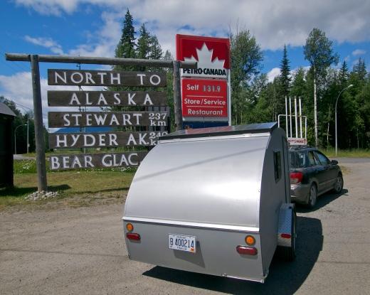 Into Canada! Heading North to Alaska!